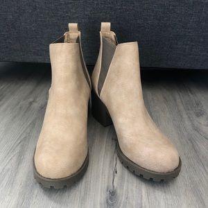 Dirty Laundry Lisbon Lug Heel Ankle Women's Boots